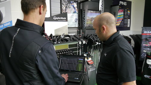 Golf+Fitting+bay+with+customer