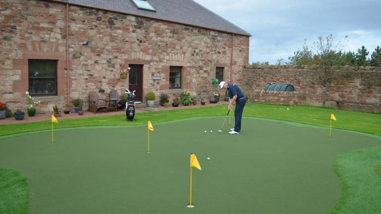 Install a Putting Green in your Garden